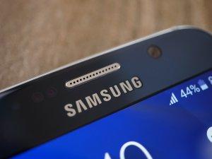 Обзор Samsung Galaxy S6: почти без компромиссов Samsung  - 1431623917_galaxy_s6_17