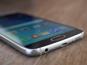 Обзор Samsung Galaxy S6: почти без компромиссов Samsung  - 1431624305_galaxy_s6_12