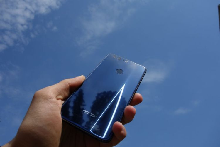 Самый модный цвет смартфона в 2016 году Мир Android  - black_blue3.-750