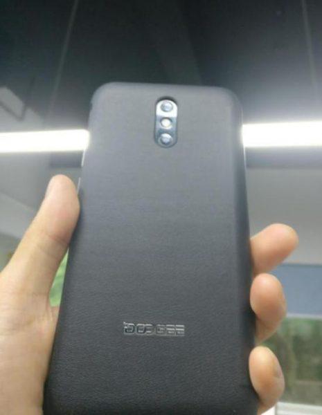 Doogee выпустит BL5000 и Mix Plus, клон Galaxy S8 Другие устройства  - doogee_bl5000_1