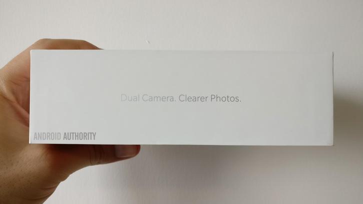 Коробка OnePlus 5 подтвердила двойную камеру Другие устройства  - oneplus_5_camera_battery_02