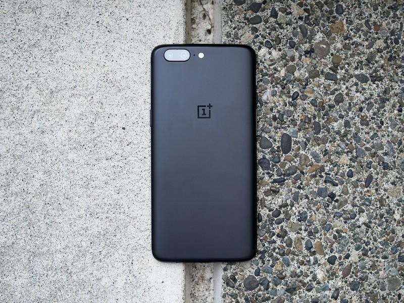 Фото и видео OnePlus 5. Сравнение двух расцветок Другие устройства - oneplus_5_live_23