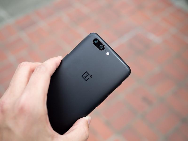 Фото и видео OnePlus 5. Сравнение двух расцветок Другие устройства - oneplus_5_live_24