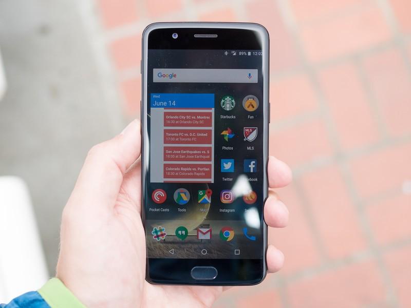 Фото и видео OnePlus 5. Сравнение двух расцветок Другие устройства - oneplus_5_live_25