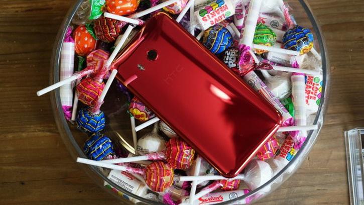 HTC готовит секретный смартфон Ocean Life на Snapdragon 660 HTC  - htc_u11_hands_on_08