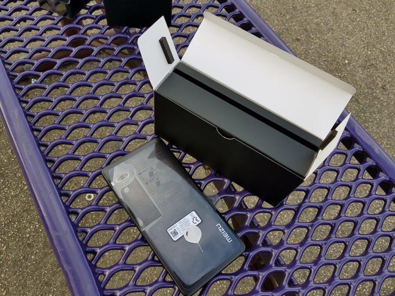 Живая распаковка потрясающего Meizu Pro 7 и Pro 7 Plus. Фото Meizu  - meizu_pro_7_plus_live_06