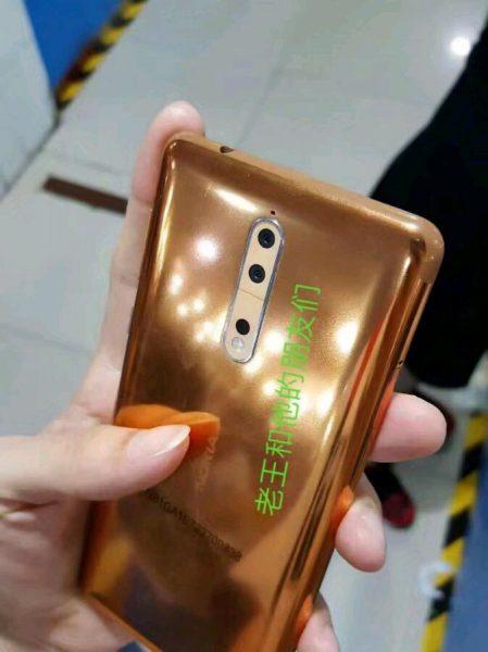 Живые фото Nokia 8 в необычном медном цвете Другие устройства  - nokia_8_copper_wild_07