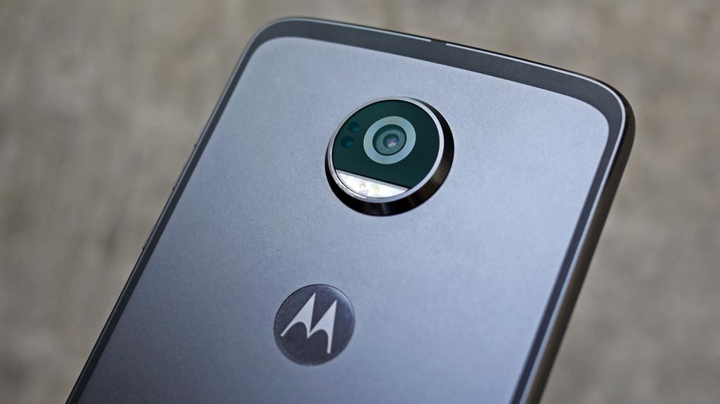 Обзор Lenovo Moto Z2 Play: модульный смартфон среднего класса Другие устройства  - 8-1-2