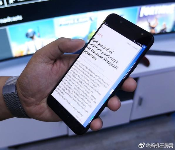 Металлический Samsung Galaxy J7+ на видео. Двойная камера прилагается Samsung  - 9f31fa8a1264a9b2e59839a8dcb5fab0