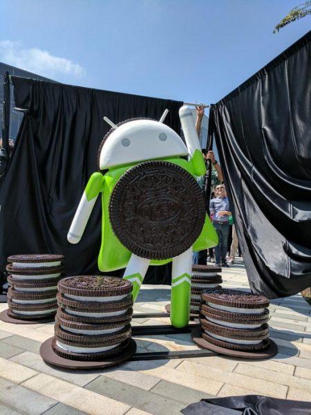 Статуя Android Oreo в штабе Google и пасхалочка  Android 8.0 Другие устройства  - android_oreo_statue_06