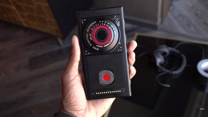 RED показала прототип дорогого «голографического» смартфона Hydrogen One Другие устройства  - red-hydrogen-one-prototype-2