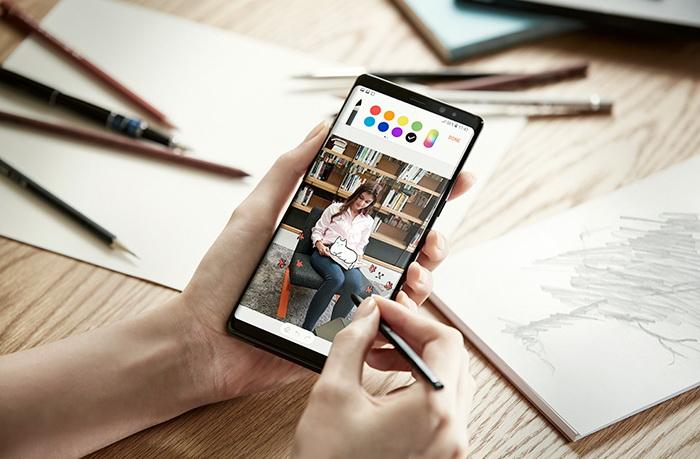 Samsung выпустит упрощенную версию Galaxy Note 8 Samsung  - samsung_galaxy_note_8_promo_06