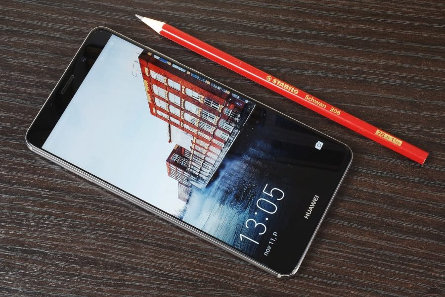 Huawei Mate 10 порвет iPhone X по всем параметрам Huawei  - huawei-mate-10-1