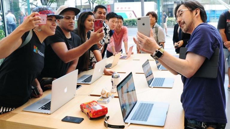 Подборка нехороших фактов об iPhone 8 и 8 Plus Другие устройства  - iphone-8-2.768w_derived