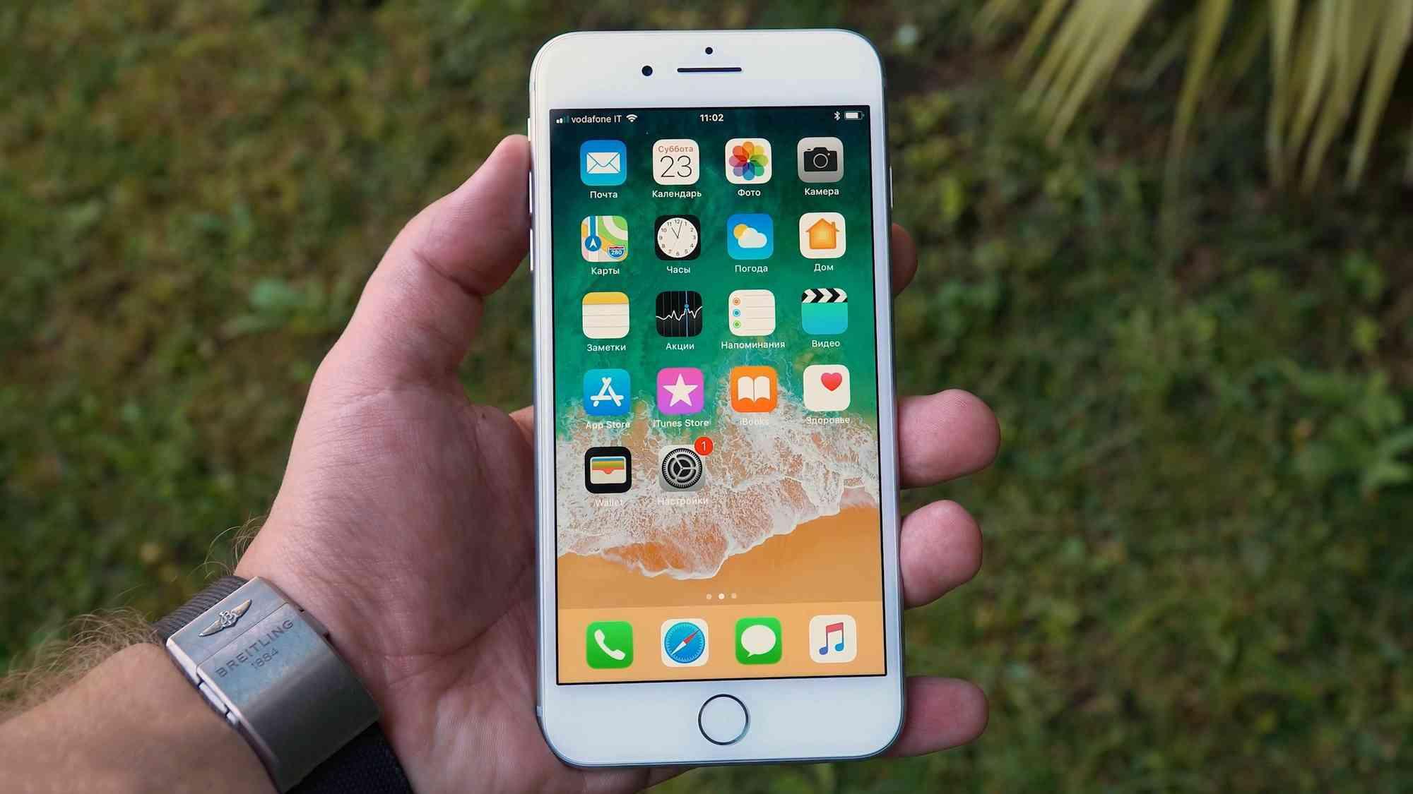 Первый, быстрый обзор iPhone 8 Plus с реальными фото Apple  - iphone8plus_obzor_03-1