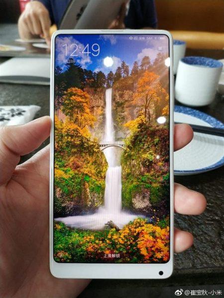 Покупателям не понравился безрамочный Xiaomi Mi Mix 2 в белом корпусе Xiaomi  - xiaomi-mi-mix-2-white-3