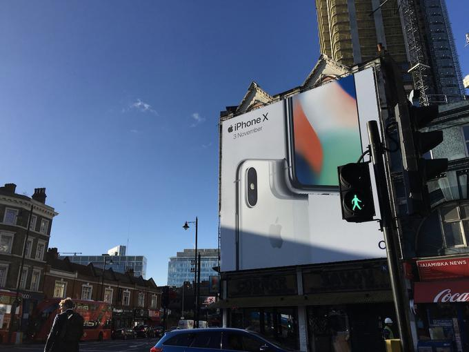 Рекламные щиты Apple по всему миру предрекают выход iPhone X Apple  - 2e86baf350e592d306d996a2e9f36333