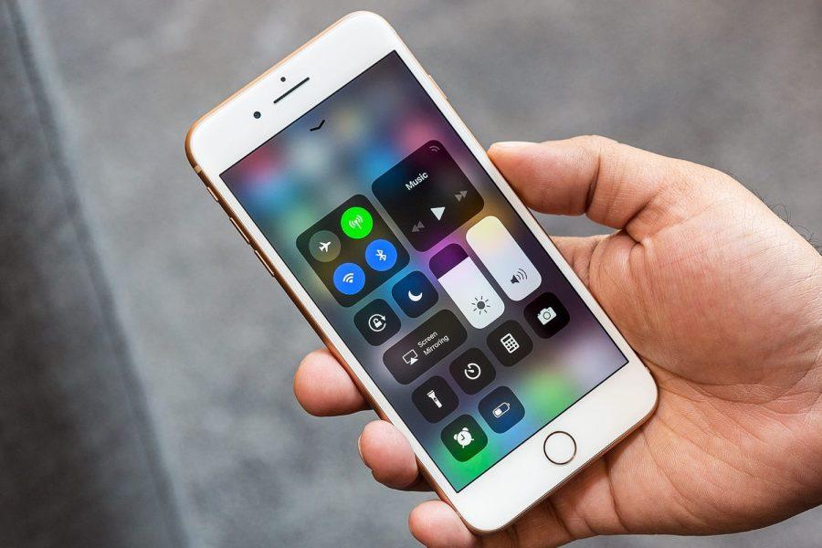 Будущие iPhone не будут работать в России Apple  - apple-iphone-8-2018