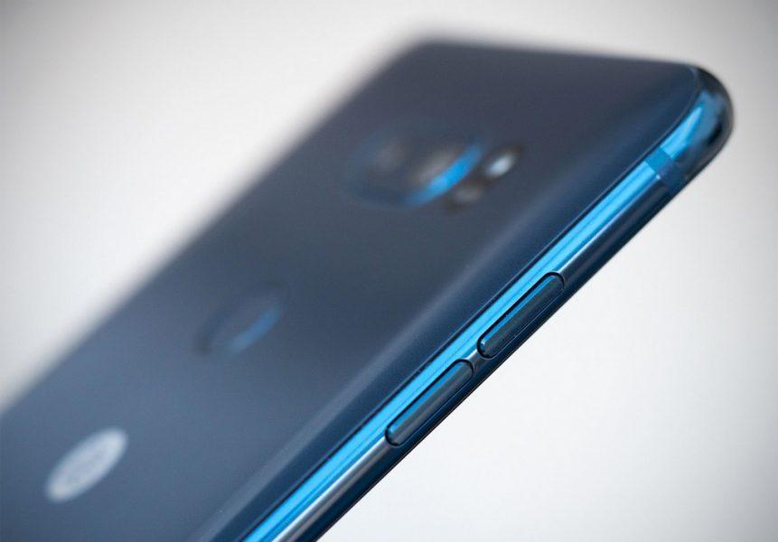 Обзор нового флагмана LG V30. Гаджет, которым хочется обладать LG  - lg-v30-moroccan-blue-photo-5