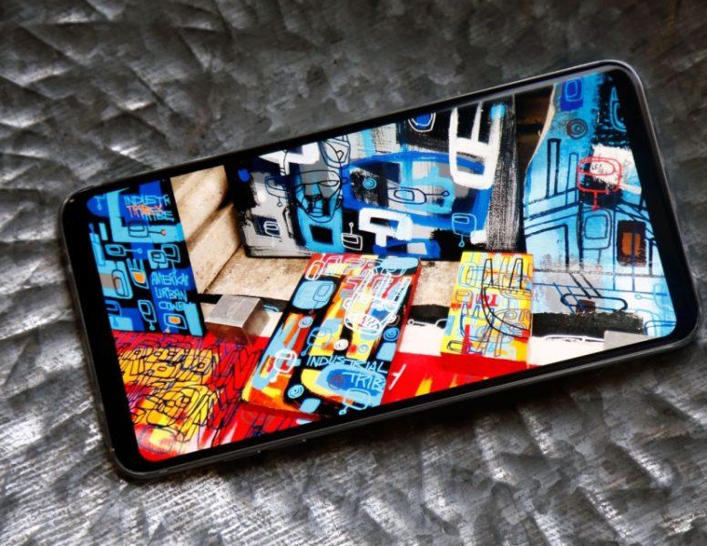 Обзор нового флагмана LG V30. Гаджет, которым хочется обладать LG  - lg-v30-yarkij-ekran