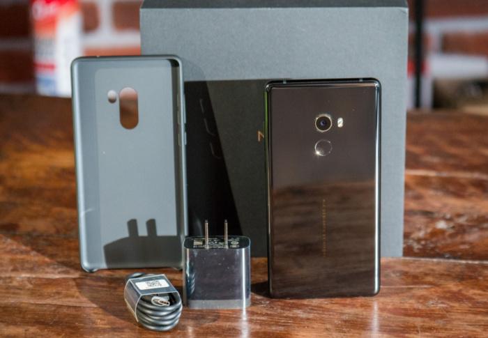 Обзор нового безрамочного Xiaomi Mi Mix 2 Xiaomi  - mimix2_02