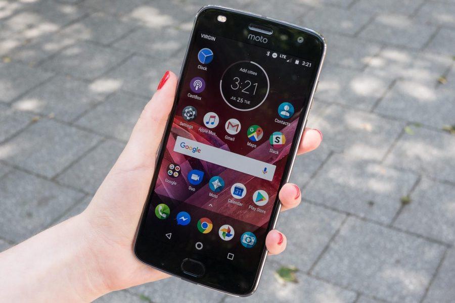 Смартфоны Motorola с сильно провались в продажах в России Другие устройства  - motorola-moto-russia-3
