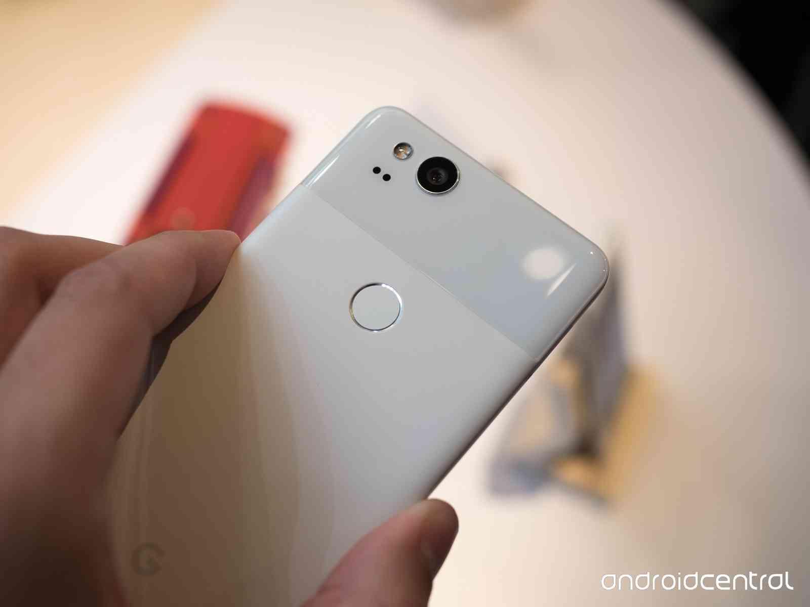 Примеры фото с Google Pixel 2 и лучшей камеры Другие устройства  - pixel_2_pixel_2_xl_hands_on_21-1