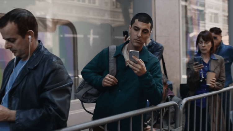 Samsung тонко высмеяла iPhone X в своей новой рекламе Другие устройства  - img_0271-1.-750
