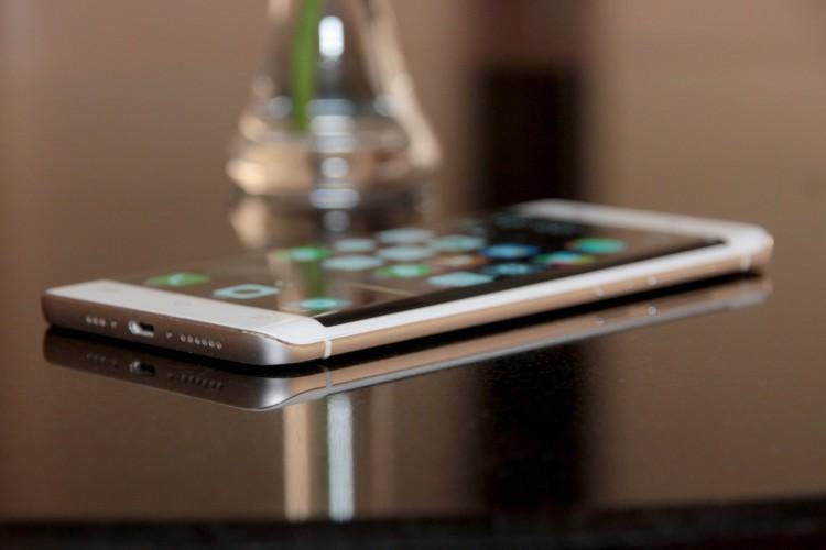 Vivo официально станет продавать свои смартфоны в России Другие устройства - vivo-xplay-5-06.-750