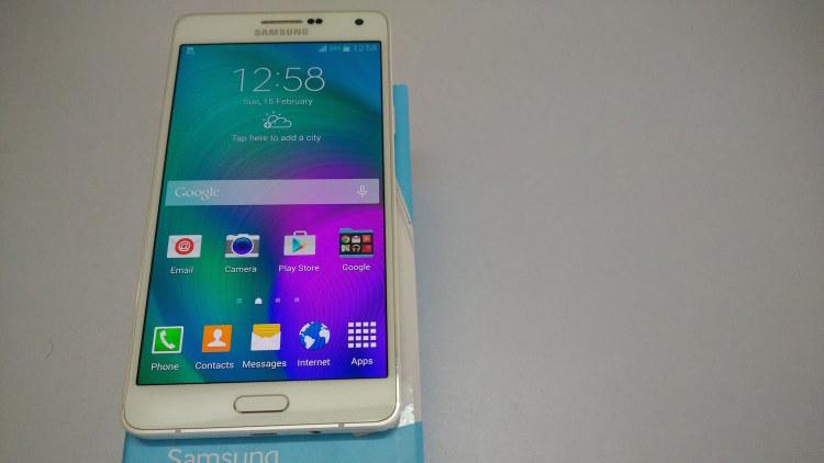 Samsung анонсировала новый чип Exynos 7872 для среднего класса Samsung  - Galaxy-A7.-750