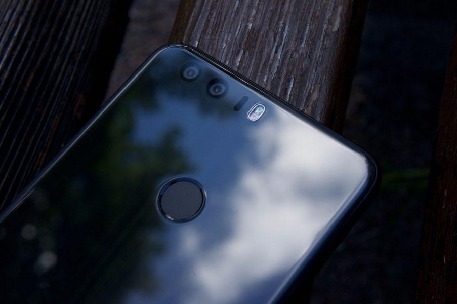 Huawei Honor 8 все таки тоже обновится до EMUI 8.0 Huawei  - honor_8_review_06