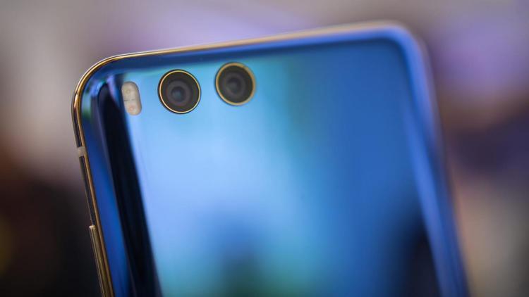 Xiaomi официально подтвердила присутствие беспроводной зарядки в Mi 7 Xiaomi  - xiaomi-mi-6-xiaomi-mi6.-750