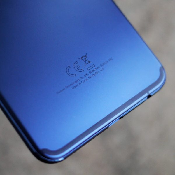 Обзор на Huawei Honor View 10: Умный смартфон? Huawei - 0-1