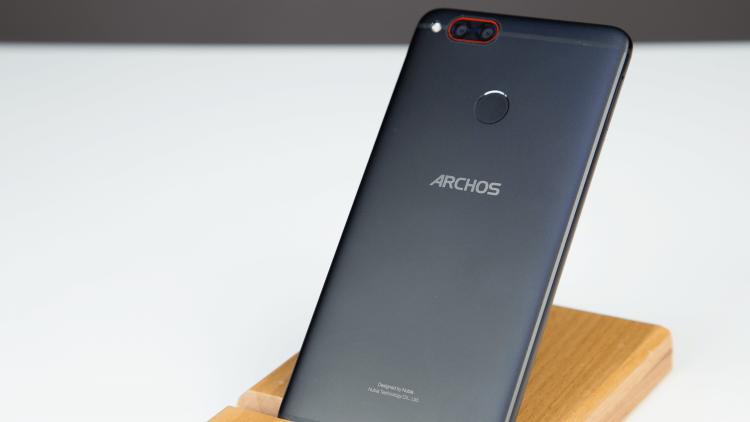 Archos Diamond Alpha: смартфон, который стоит изучить Другие устройства  - 5dm36758.-750