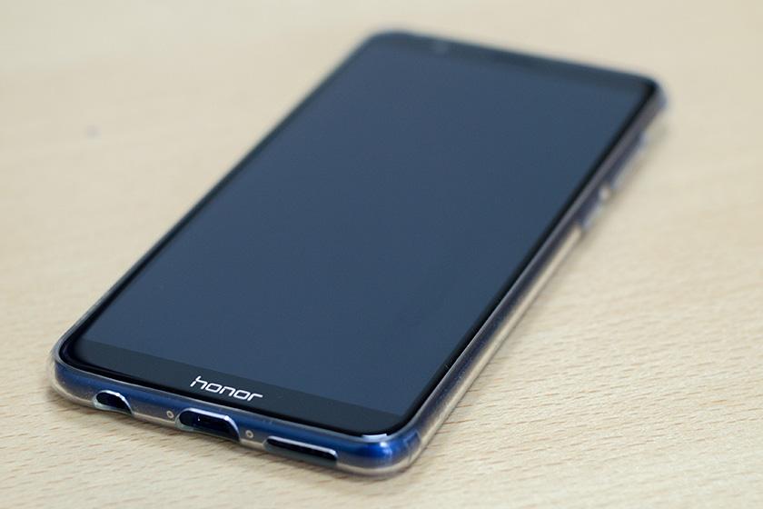 Обзор на Huawei Honor 7x: симпатичный смартфон с необычным дисплеем Huawei  - h7x_3302