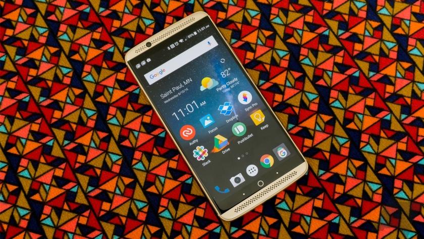 ZTE Axon 7 начал обновляться до стабильной версии Android 8.0 Oreo Другие устройства  - zte-axon-7-oreo