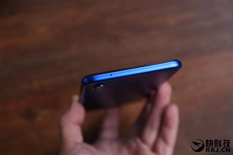 Официально анонсирован Meizu E3: с тончайшими рамками и двойной камерой Meizu  - s_bf830f7ac66549389e6d780c29de2efd