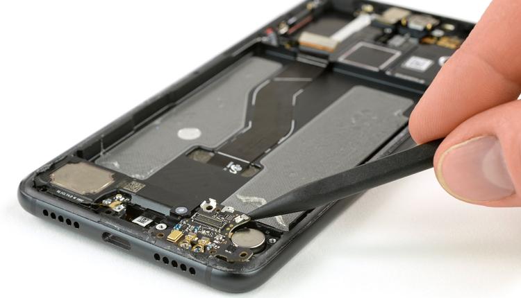 Вскрытие нового Huawei P20 Pro: что скрывает флагман? Huawei  - hu5