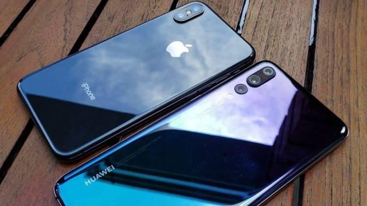 Почему Huawei не осмелилась или почему Apple стала первой в стане «моноброви» Huawei  - iPhone-X-vs-Huawei-P20-Pro.-750