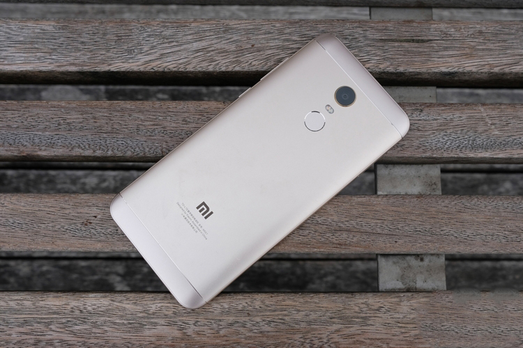 Xiaomi хочет реализовать в 2018 году более 100 млн мобильных гаджетов Xiaomi  - xh2