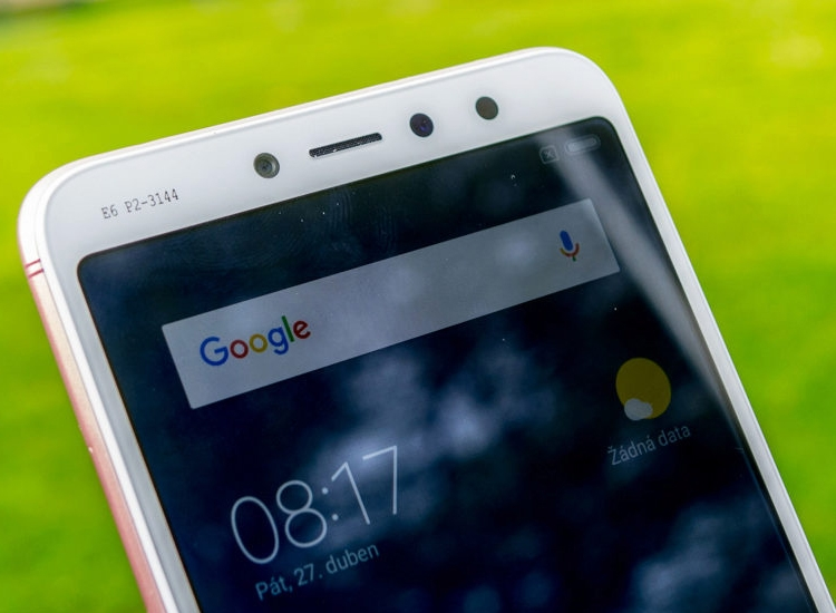 Xiaomi Redmi S2 показали на «живых» фотографиях Xiaomi  - xr2