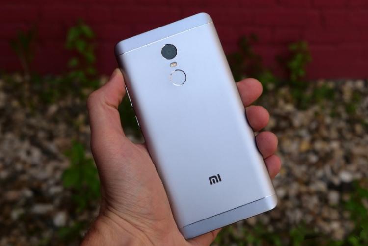 Xiaomi впервые лидирует по интернет-продажам в России Xiaomi  - sm.thumbnail_1524721497.750