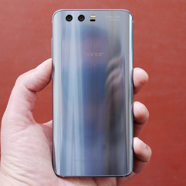 Обзор Huawei Honor 9: качественный середнячок от китайского бренда Huawei  - 9-1