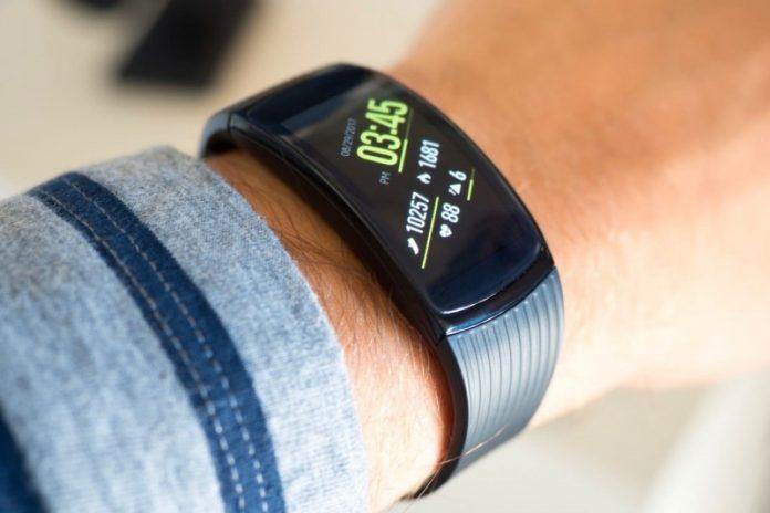 Распродажа гаджетов от Gearbest. Xiаomi и не только Другие устройства  - Elephone-Band-5-00-696x464