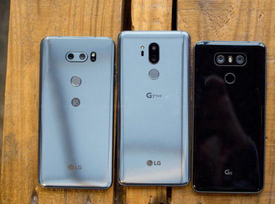Обзор LG G7 ThinQ - дорогой, но умный гаджет LG  - 1525346633_the-lg-v30-middle-the-lg-g7-middle-and-the-lg-g6-right