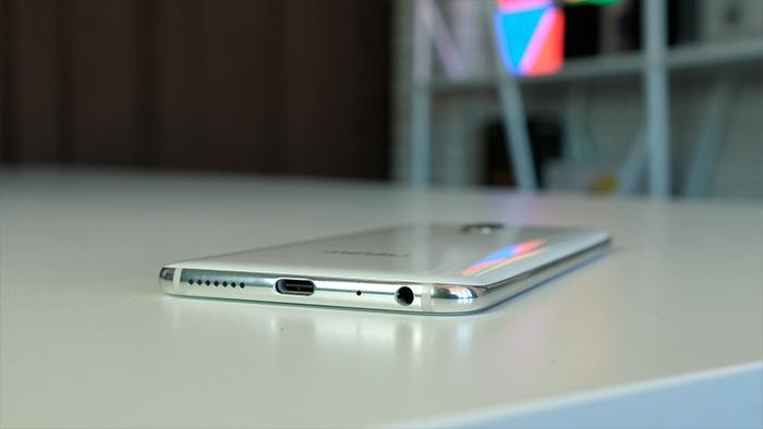 Обзор Meizu 16th: лучший гаджет со сканером в дисплее? Meizu  - 003Meizu_16th_