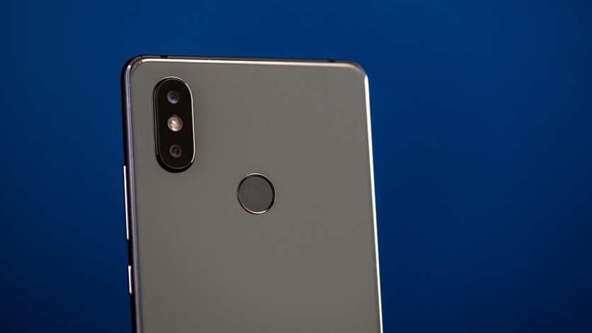 Быстрый обзор на Xiaomi Mi8 SE:  гаджет без излишеств и NFC Xiaomi  - er1aLHUFvXwqf4ZhPmJeTAX3s5VX