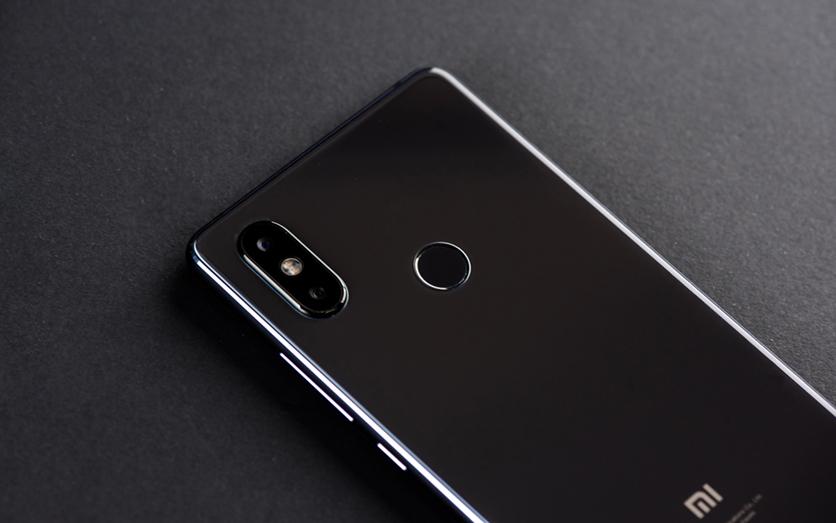 Быстрый обзор на Xiaomi Mi8 SE:  гаджет без излишеств и NFC Xiaomi  - er1aV1qEQtz0uttTeVVxCdZcluz1r0