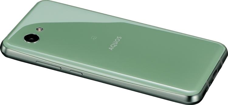 Новый Sharp - смартфон с двумя вырезами в  дисплеем Другие устройства  - sharp3