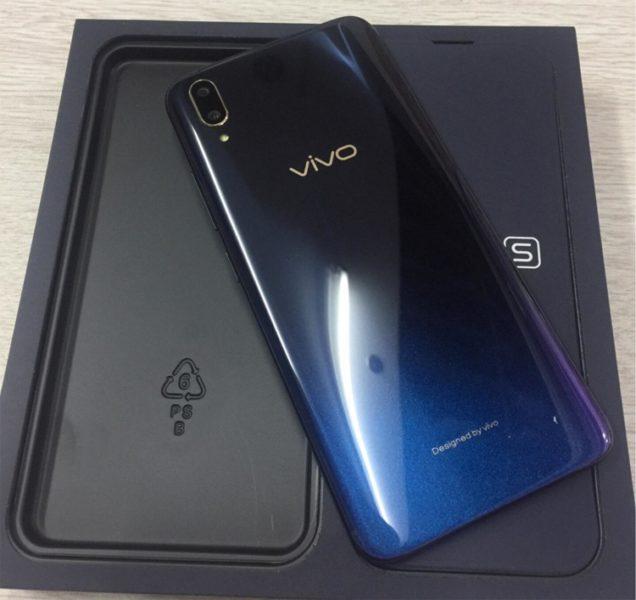 Vivo X21s с процессором Snapdragon 660 показался на фото Другие устройства  - vivo3